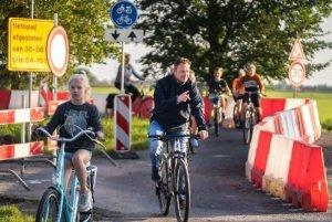 kijken bij de werkzaamheden aan doorfietsroute Leeuwarden-Heerenveen